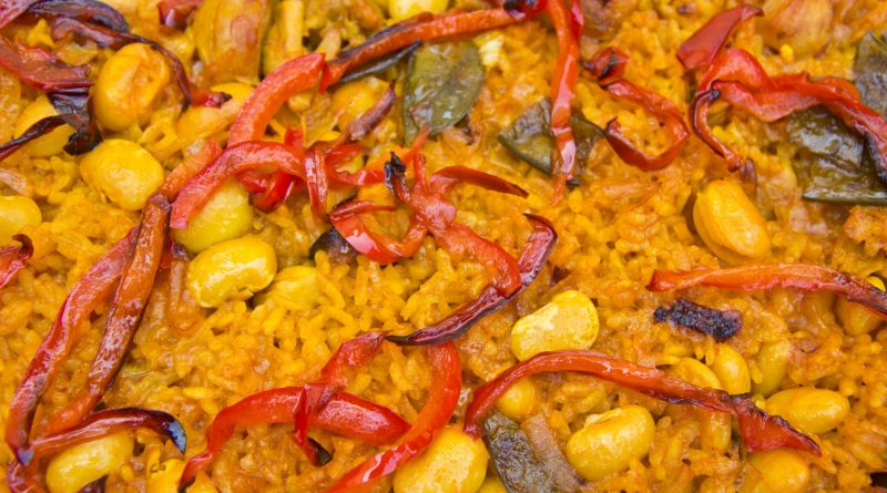 A close up of Goierri Foods paella with colourful peppers