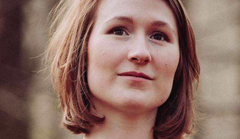 Singer saskia griffiths-moore