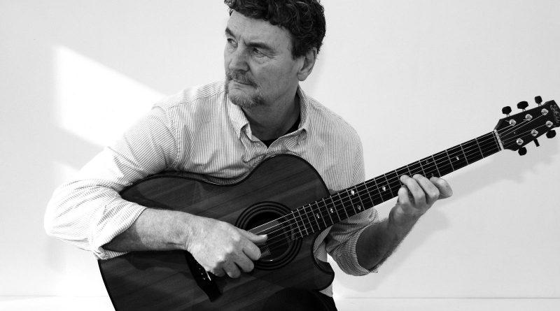 Picture of performer Steve Dagleish